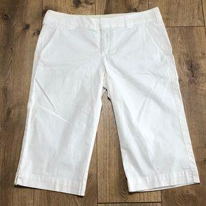 Vince white Bermuda shorts women's size 6